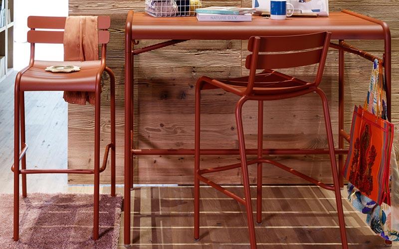 tabouret haut et table haute metal exterieur